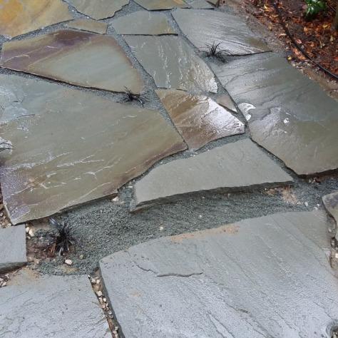 20151209_setting stones back patio